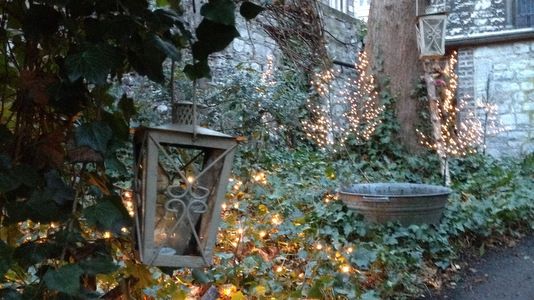 D co jardin de cure for Derriere les murs de mon jardin